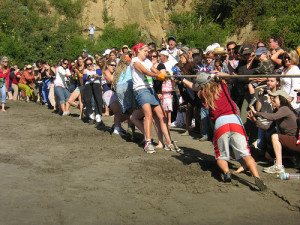 Bolinas-Stinson Tug of War