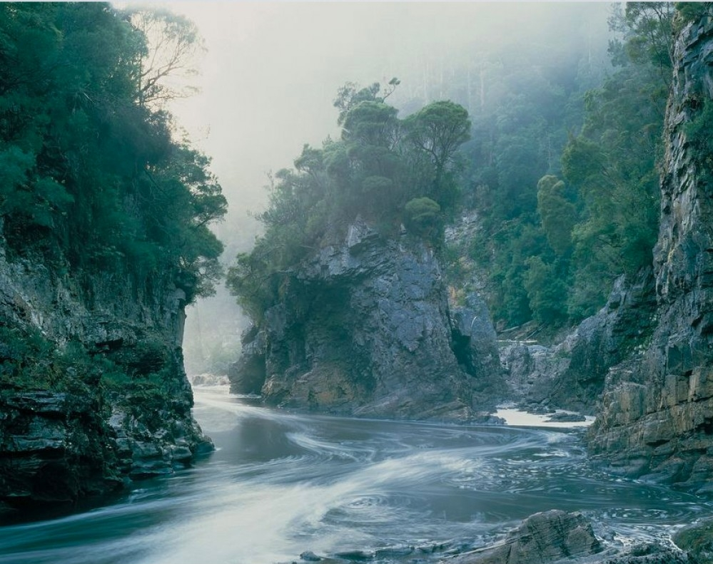 photograph of Rock Island Bend along the Franklin River taken by Peter Dombrovskis